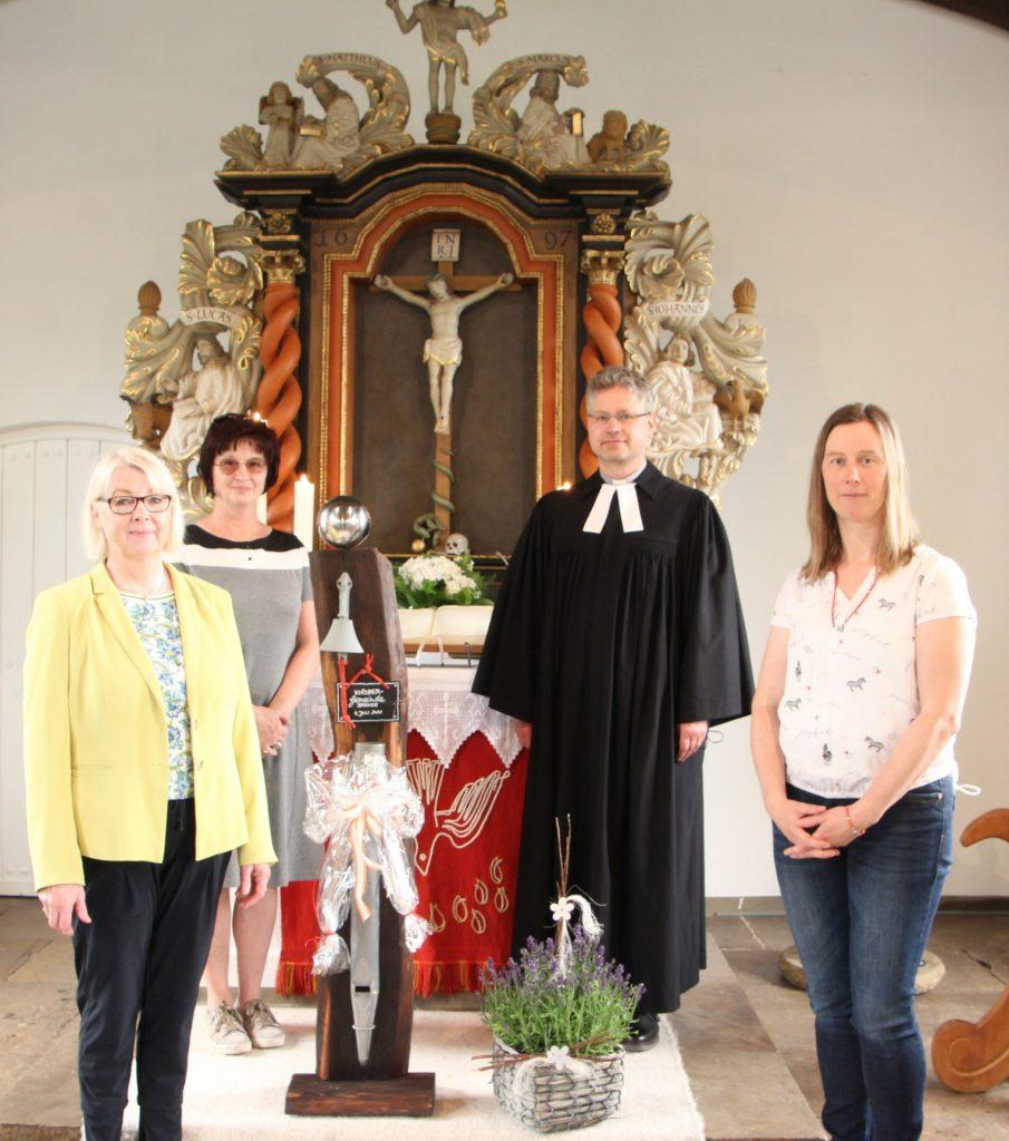 Waltraut Fohring, KV-Vorsitzende Bärbel Tiedemann-Kempf, Pastor Dimitri Schweitz, Birgit Osterbrink-Markus