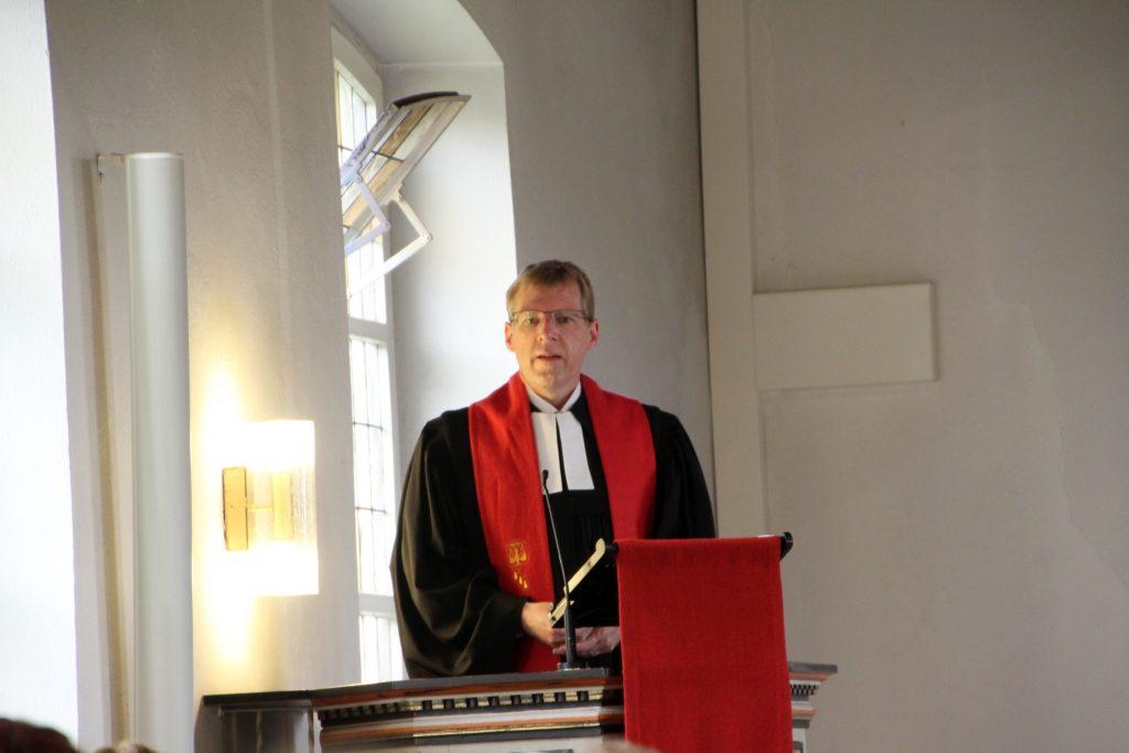 Superintendent Marten Lensch in Barver