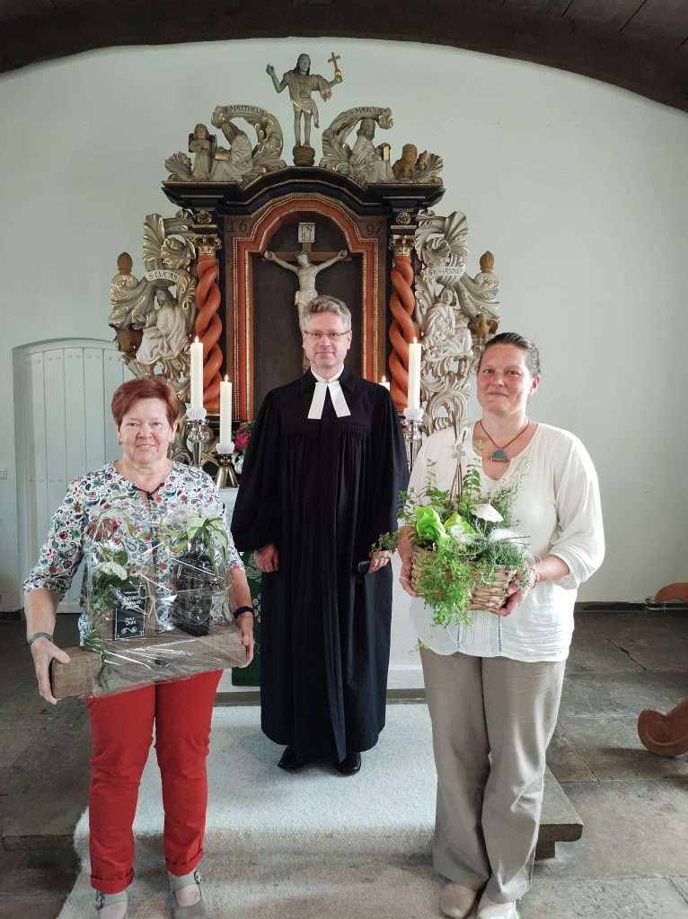 Hannelore Guddas, Pastor Dimitri Schweitz, Uta Janßen